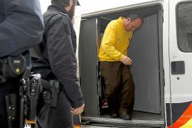Uno de los pirómanos reconoció a la policía que quemó tres contenedores en Palma
