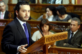 El PP acusa a la oposición de causar «agitación social» en torno   al catalán