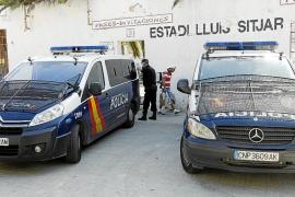La policía investiga la muerte de un hombre que se coló en el Lluís Sitjar