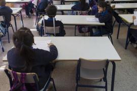 El teléfono contra el acoso escolar recibió 12.799 llamadas, la mitad que el año anterior