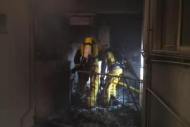 Aparatoso incendio en una finca de Palma