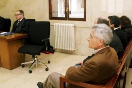 La Fiscalía pide tres años de cárcel para Vicens y no admite que haya confesado