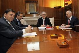 Grecia llega a un acuerdo sobre los recortes para recibir el segundo rescate de la UE