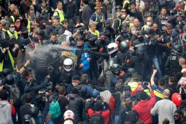 Cargas policiales y más de 160 detenidos en el 1 de mayo en París