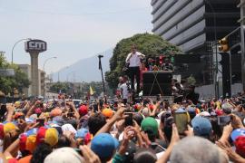 Guaidó reaparece en Caracas y llama a la 'Operación Libertad Sindical'