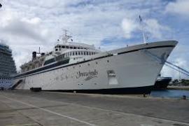 Un crucero con 300 personas a bordo, en cuarentena por sarampión
