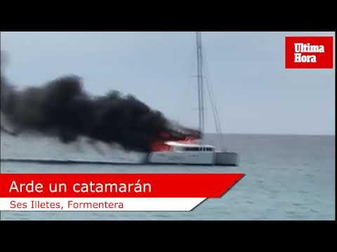 Arde un catamarán en Formentera