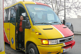 Un taxi conecta s'Alqueria Blanca con Felanitx para coger el bus del hospital
