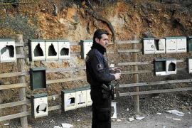 Unos vándalos destrozan de noche 18 buzones de correos de vecinos de Andratx