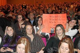 El fenómeno Pablo Alborán le canta al amor ante un Auditòrium a rebosar