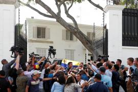 Borrell limitará la actividad de Leopoldo López en la Embajada española