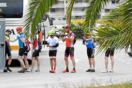 Indignación vecinal en Andratx por el incivismo de los ciclistas