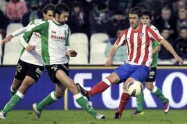 Toño y los postes evitaron la victoria de un Atlético que fue muy superior
