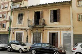 Arde una vivienda ocupada en Palma a causa de un empalme ilegal a la red eléctrica