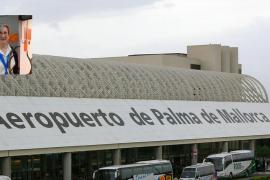 El juez podría acusar de homicidio imprudente al turista que empujó a la trabajadora del aeropuerto de Palma