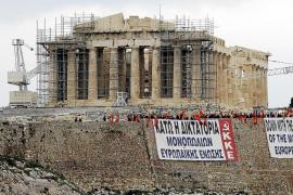 El Gobierno griego presiona para que sus diputados voten hoy el ajuste