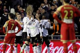 El Valencia vuelve a las victorias ante un Sporting que no reacciona