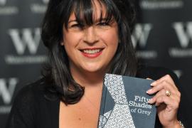 La nueva novela de la autora de «Cincuenta sombras» sale este martes a la venta
