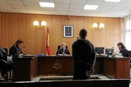 Piden casi cinco años de cárcel por robar dos perfumes en un comercio de Palma