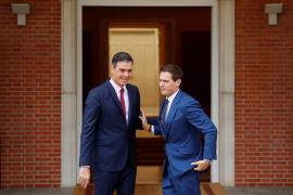 Rivera ofrece a Sánchez sus senadores y diputados para aplicar el 155