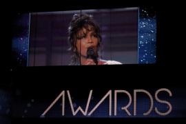 Adele reina en unos Grammy que despidieron a la diva Whitney   Houston