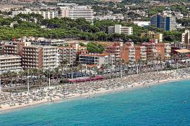 Playa de Palma recupera la 'Bandera Azul' después de tres años sin tenerla