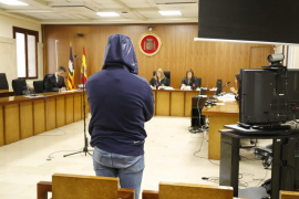 El propietario de una discoteca de Cala Millor acepta dos años de cárcel por la agresión sexual a una clienta