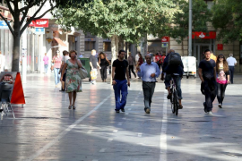 Modifican el carril bici de Plaza España por seguridad para los peatones