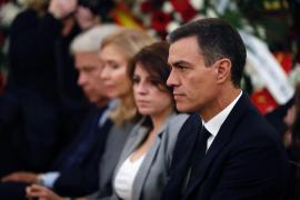 Sánchez interviene ante un hombre que exigía hablar con el Gobierno en el velatorio de Rubalcaba