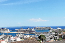 El primer lleno de la temporada en el puerto de Palma