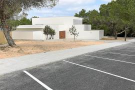 Formentera ha desembolsado 220.000 euros adicionales en adecuar el entorno del tanatorio