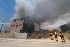 Localizan el cadáver de una mujer en el edificio incendiado en Ibiza