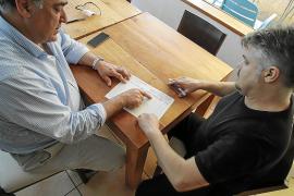 Incertidumbre y denuncias por fraude en los primeros días de control de la jornada laboral