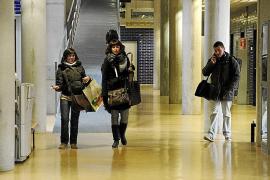 Los alumnos del Conservatori Superior estudian con frío, sin wifi y con menos docentes