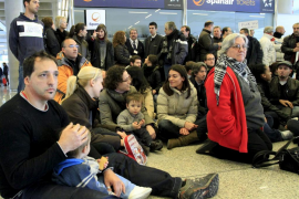 El SOIB creará una bolsa para «priorizar» la recolocación de los trabajadores de Spanair