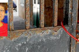 La búsqueda del hijo de la mujer asesinada se amplía al extranjero