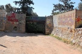 Pro Camins Públics defiende la existencia de un paso libre hasta la playa de Cala Varques