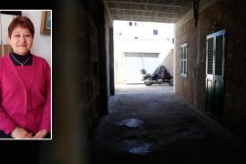 La policía investiga si el hijo de la mujer asesinada se enfureció con ella porque le había castigado sin móvil