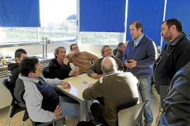 Vallejo estudia medidas para ayudar a los taxistas a paliar la caída del 50% de clientes