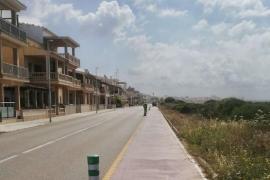 Instalan balizas de protección en la avenida Miramar de sa Ràpita