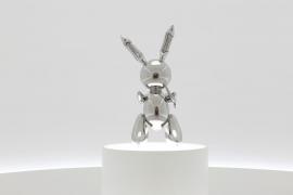 'Rabbit' se subasta por 91 millones de dólares y convierte a Jeff Koons en el artista vivo más caro