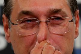 El líder austriaco de la extrema derecha renuncia por un comprometedor vídeo