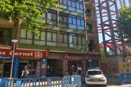 Levantan el precinto al edificio desalojado tras la rotura de una tubería en Palma