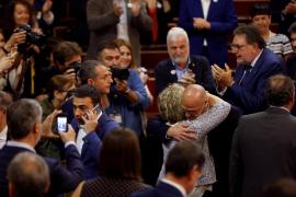 Romeva ocupa su escaño en el Senado entre aplausos de sus compañeros de ERC