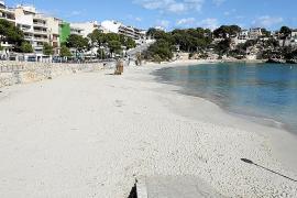 La pérdida de arena en la playa de Porto Cristo 'obliga' a su regeneración