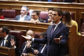 Rivera: «Si Batet fuera una presidenta decente habría parado el acatamiento de los diputados presos»