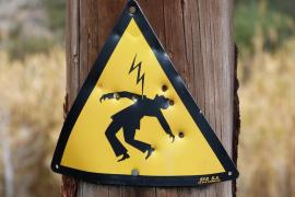Muere electrocutado un niño que trepó a una torre eléctrica