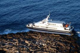 Capitanía exige a Baleària un plan para el reflotamiento del Maverick antes del 24