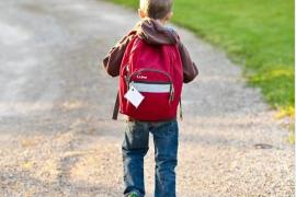 Este es el peso máximo que deben cargar los escolares con sus mochilas