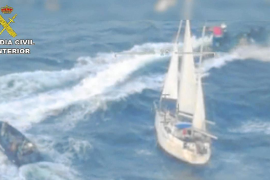Los 600 kilos de coca estaban ocultos en un falso hueco del velero interceptado